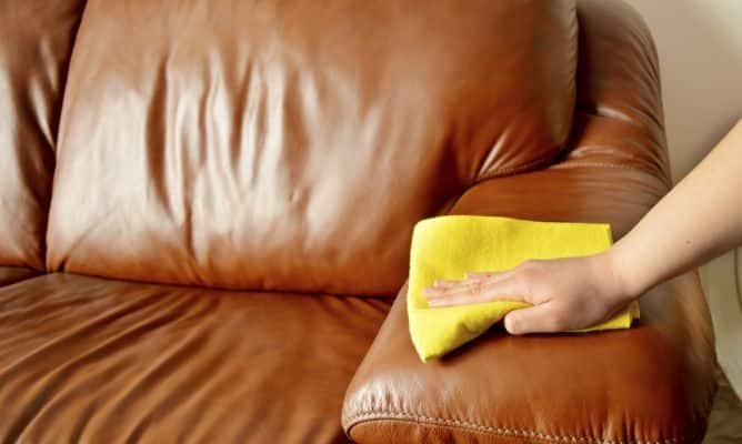 Cómo cuidar y limpiar los sofás de cuero