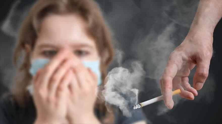 Cómo quitar el olor a tabaco de la ropa